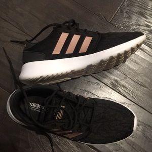 """Like new Adidas cloud foam """"QT Racer"""" tennis shoes"""